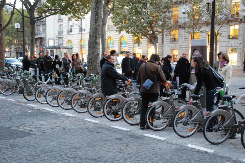 Provinciaux, touristes, comment survivre à Paris 2