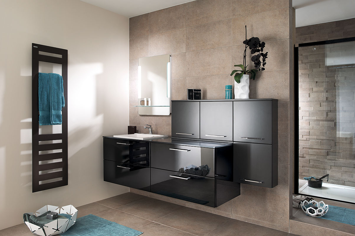 d corer sa salle de bain entre confort praticit et. Black Bedroom Furniture Sets. Home Design Ideas