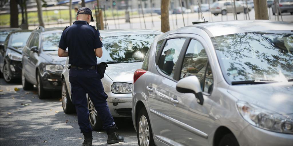 Vivre ou visiter le 16e arrondissement de Paris , l'enfer de la voiture