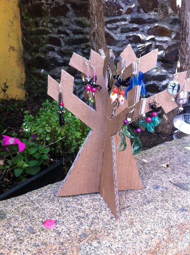 Comment fabriquer son arbre à bijoux en carton