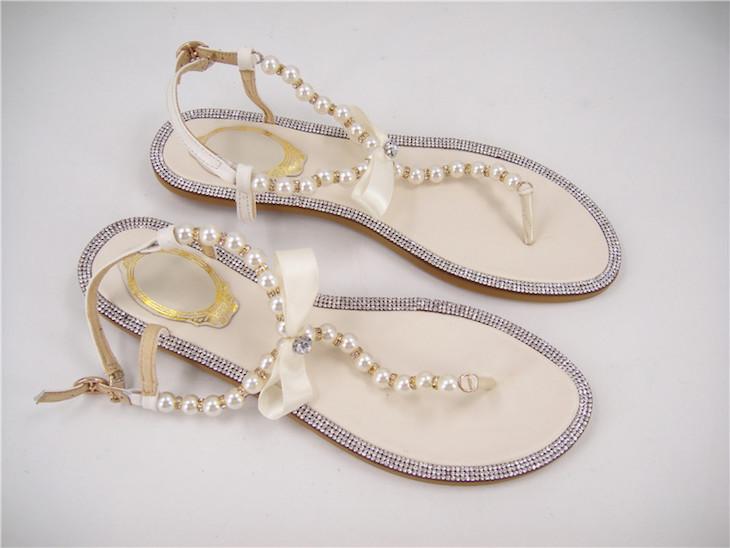 les tongs pour un mariage parée de perles