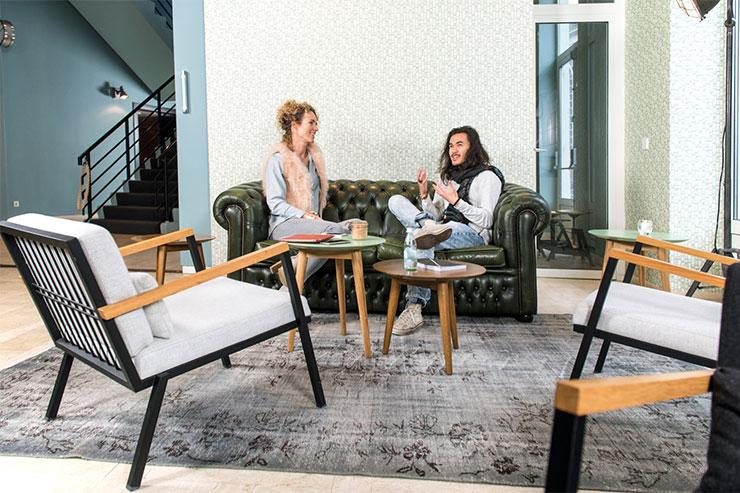 Canap chesterfield une des tendances adopter en 2018 - Renover un canape en cuir ...