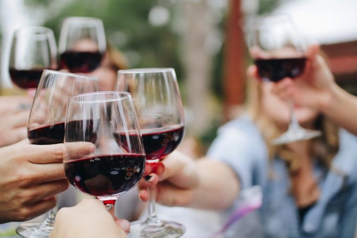 amis qui tringuent avec vin